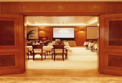 (图7)小型会议室地面进口地毯 欧式,彰显富丽堂皇    &nbsp